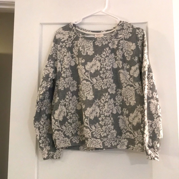 Gray & White Sweater size Large